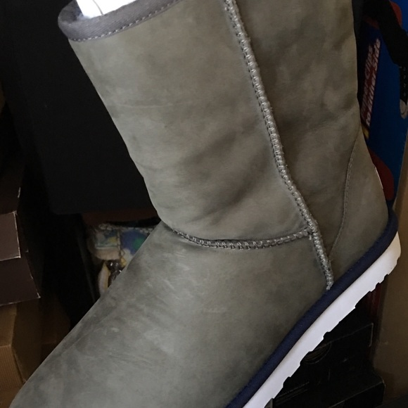 7c93df944ef Ugg boots for men NWT